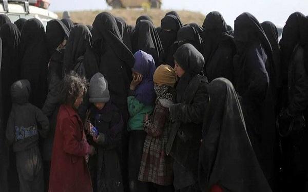 همسران داعشی های هلند خواهان بازگشت از سوریه به کشورشان شدند