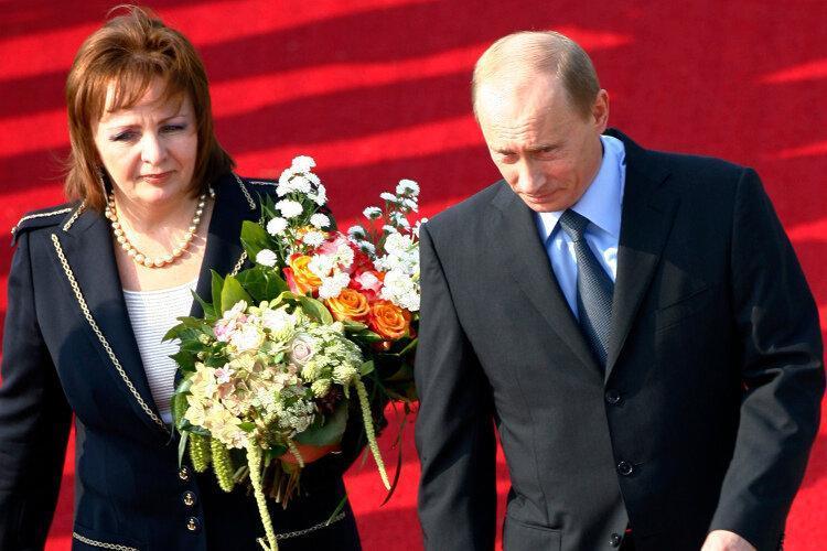 فیلم ، زندگی اسرارآمیز همسر سابق پوتین ، ماجرای طلاق