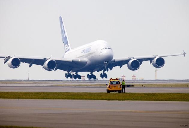 نقص فنی در پرواز تهران-اهواز و بازگشت هواپیما به فرودگاه مهرآباد، انتقال مسافران با پرواز جایگزین