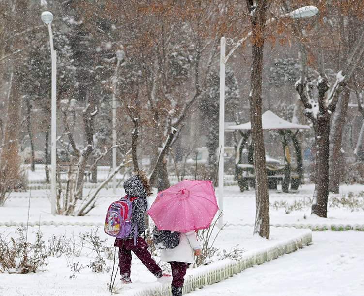 برف در راه آذربایجان شرقی