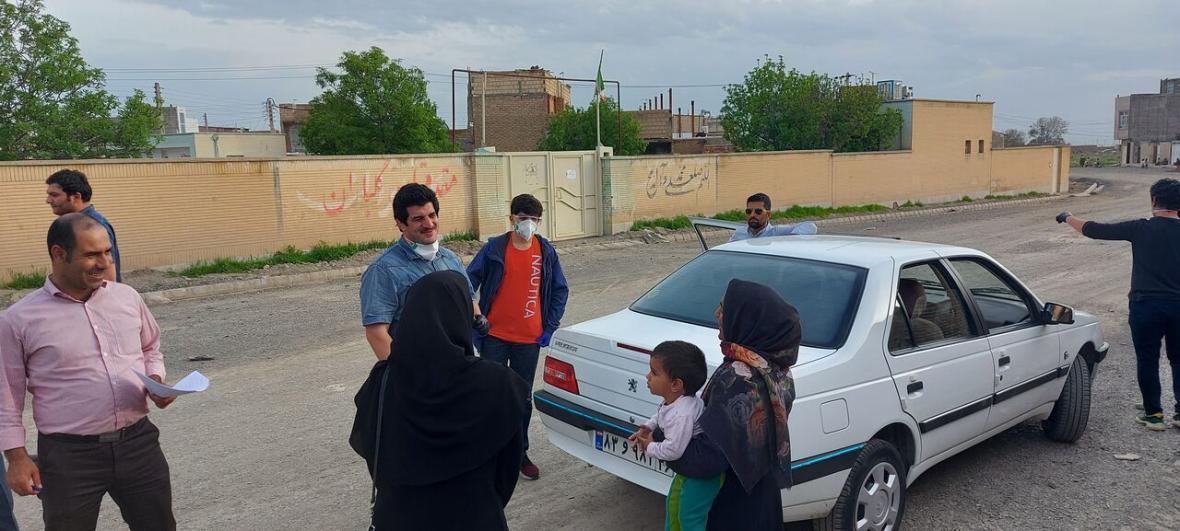 خبرنگاران 90 بسته حمایتی با حضور رسول خادم بین خانواده های کم برخوردار نیشابور توزیع شد