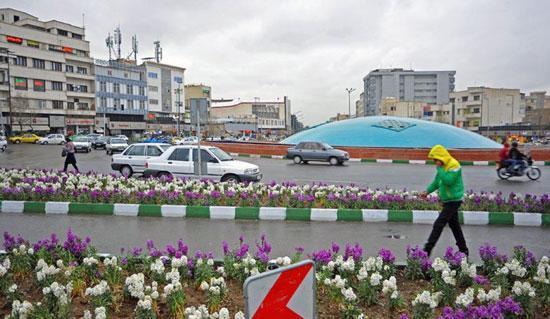 میدان انقلاب تهران: قلبی که هنوز می تپد