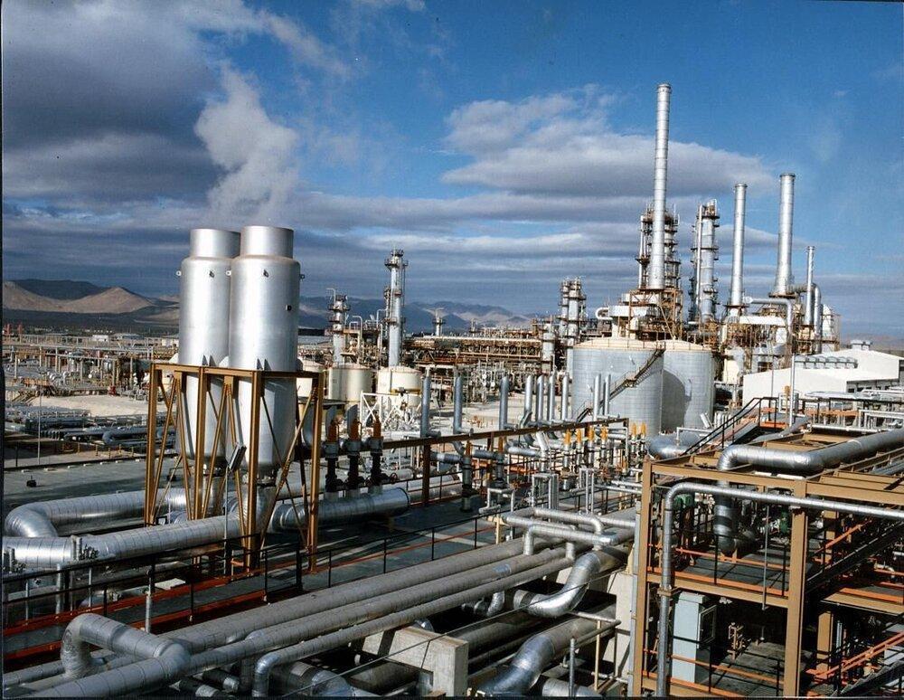 فیچ: بحران کرونا و افزایش قیمت حامل های انرژی، افت 10 درصدی مصرف سوخت پالایشگاهی ایران را در 2020 رقم می زند