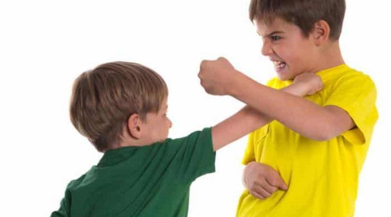 کودک شما هم دست بزن دارد؟