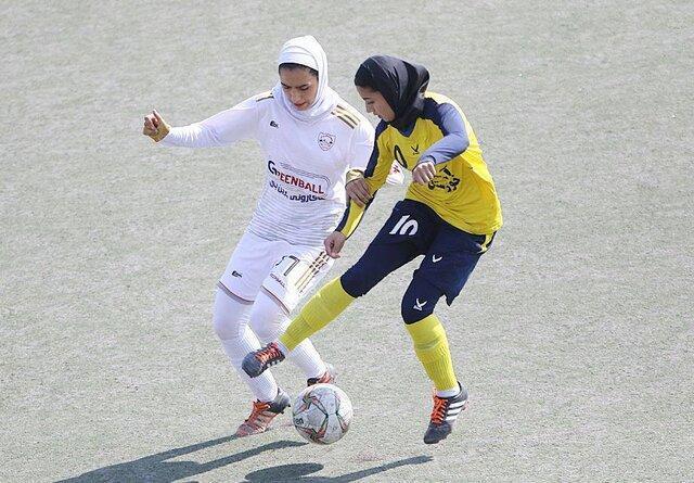 انتقاد سرمربی تیم فوتبال شهرداری بم از جدول مسابقات لیگ برتر فوتبال بانوان