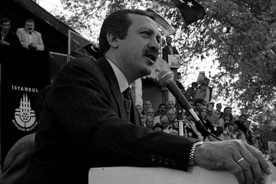 شعرخوانی&zwnjهای پردردسر اردوغان: شعری که اردوغان را به زندان فرستاد