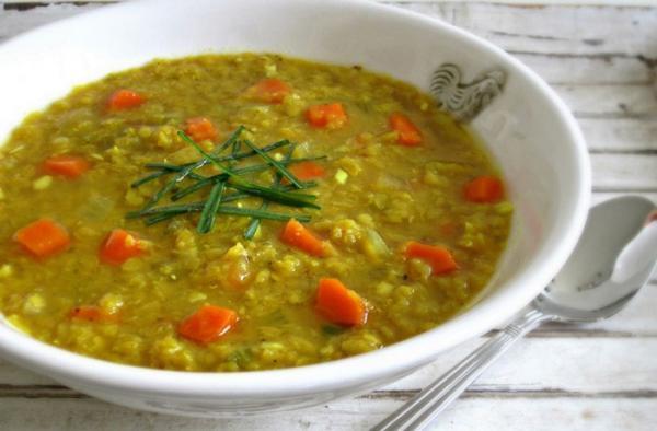 طرز تهیه سوپ عدس و جو به 2 روش (با عدس سبز و دال عدس)