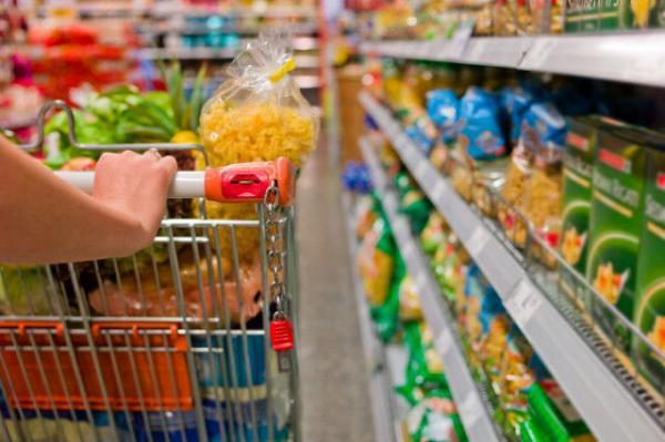 هزینه اقلام اساسی خوراکی در دهک سوم