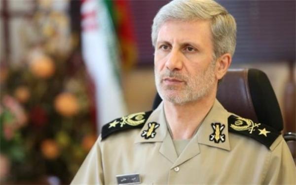 امیر حاتمی: ارتقای قدرت موشکی ایران هدف اول وزارت دفاع است