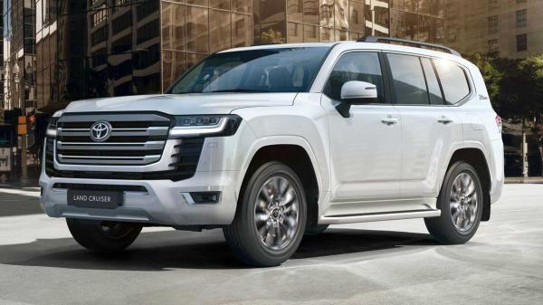 تویوتا به مشتریان لندکروزر: حق فروش این خودرو را تا یکسال ندارید!
